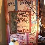 デザインの神様が隠れている茶箱のラベルデザイン